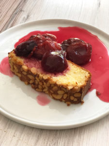Cornmeal Cake with Pinenuts